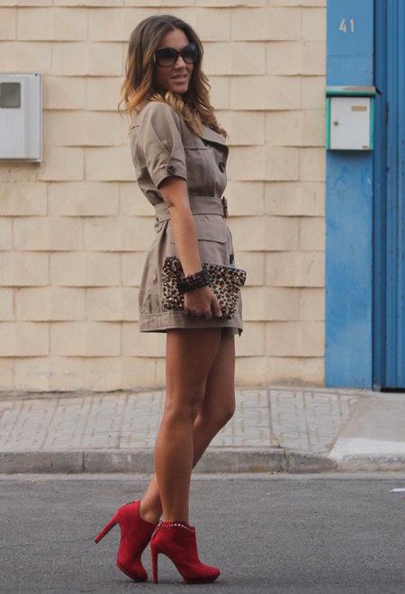 vestido trench botines