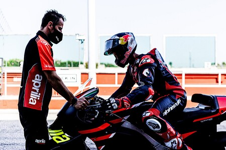 """El retorno de Andrea Dovizioso a MotoGP pierde fuerza: """"No ha sido muy competitivo en los test con Aprilia"""""""