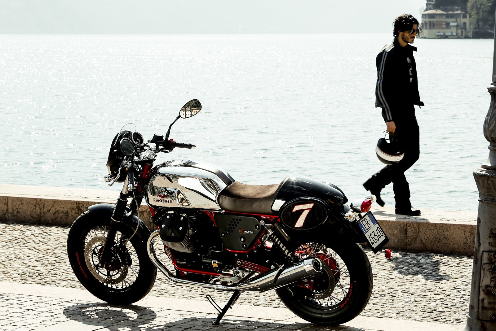 Foto de Moto Guzzi V7 Racer (30/49)