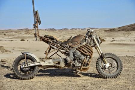 Y ahora, la versión malvada de la Yamaha YZF-R1