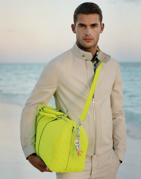Louis Vuitton y su bolsa multifunción perfecta para los viajes