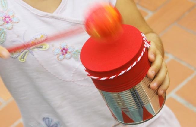 más - Un buena idea: instrumentos musicales con objetos reciclados