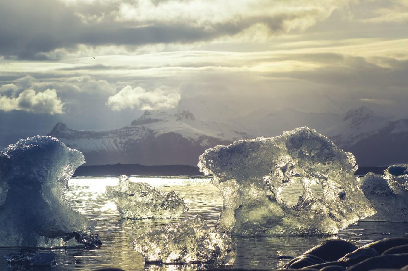Esta bonita (y terrible) animación nos muestra cómo el hielo del Ártico es cada vez más joven y fino, y eso no es nada bueno