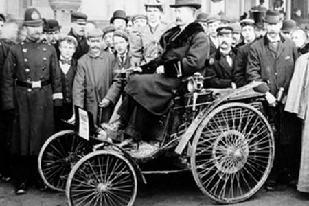 En 1896 una multa por exceso de velocidad fue noticia... porque fue la primera de la historia