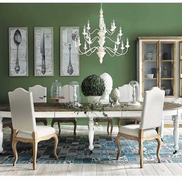 Estas siete mesas de comedor seguro que te aclaran cómo decorar el tuyo