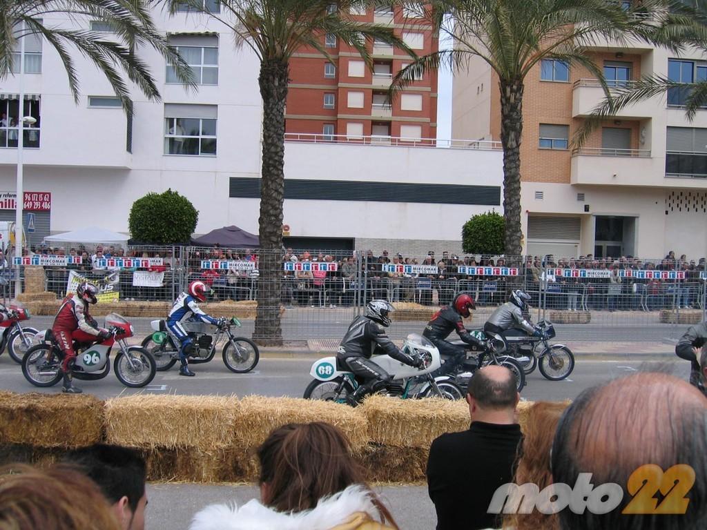 Foto de Motos clásicas en Cullera, la crónica de unas carreras clásicas en circuito urbano (4/26)
