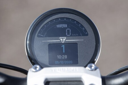 Triumph Trident 2020 Prueba 004