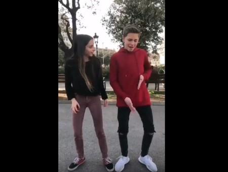 La gente de Musically está haciendo su propio videoclip de 'Lo Malo' porque el oficial tarda demasiado