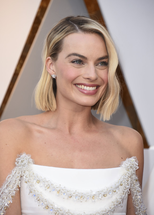 oscars 2018 beauty no makeup margot robbie