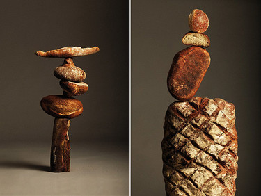 Bodegones equilibristas de pan por Nacho Alegre