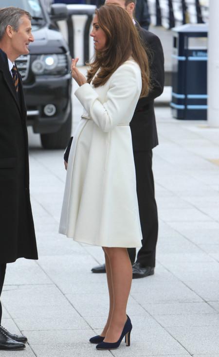 Kate Middleton Embarazo Blanco look