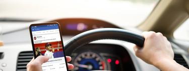 Atención y distracción en el coche: lo que DGT no suele explicar sobre el uso del móvil durante la conducción