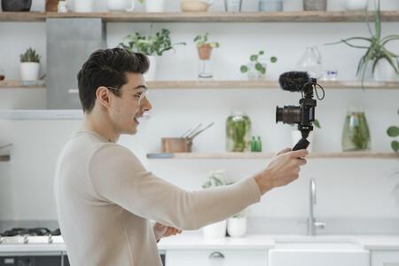 Canon Eos M50 Mark Ii Black Lifestyle Matt Adlard02
