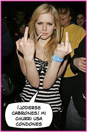 Avril Lavigne embarazada: ¿si o no?