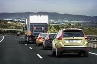 Volvo prueba los trenes de carretera del proyecto SARTRE en España