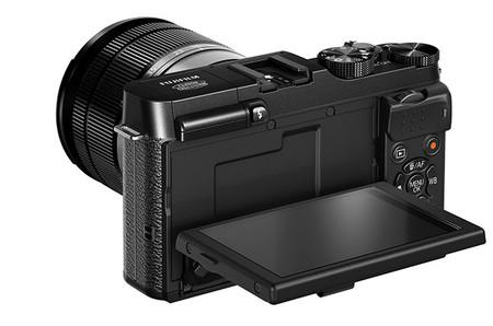 Fujifilm X-M1 black pantalla