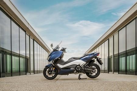 Yamaha Tmax 2017 020