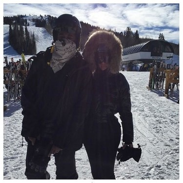 Kim Kardashian y su <em>furkini</em> en la nieve, u otras formas de ir a esquiar