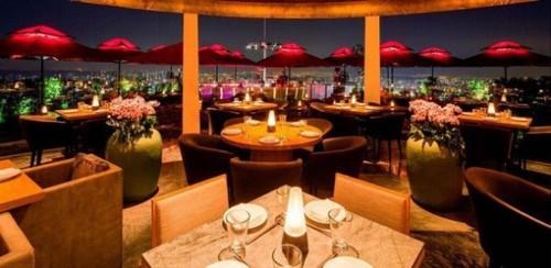 En Singapur puedes pedir el menú más caro del mundo por ¡2 millones de euros!