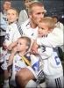 05_David Bekham con sus hijos.jpg