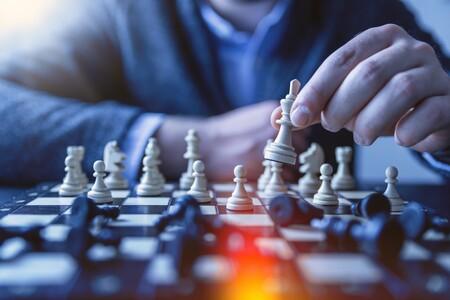 """""""Blanco. Negro. Ataque. Amenaza"""": cuando la IA cree por error que el ajedrez es racista"""