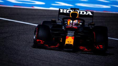Max Verstappen manda, McLaren sorprende, Mercedes sufre y el Alpine no funciona en el debut de la Fórmula 1