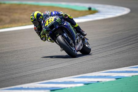 Valentino Rossi empezó mal la temporada: problemas mecánicos y gresca sobre los neumáticos de Michelin