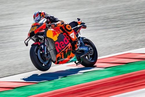 Pol Espargaró consigue su primera pole position en MotoGP y estrena de paso el palmarés de KTM