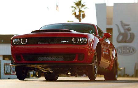 Cinco coches superdeportivos que son más lentos en el 0-100 km/h que el Dodge Challenger SRT Demon