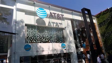 AT&T inaugura su tienda 'Insignia' en Ciudad de México, la cuarta de su tipo en el mundo
