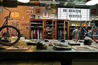 Deus Ex Machina: un restaurante, un taller de motos y una tienda de ropa. Todo en un mismo lugar
