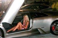 Paris Hilton tiene coche nuevo