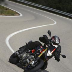 Foto 12 de 30 de la galería aprilia-dorsoduro-factory-2010 en Motorpasion Moto