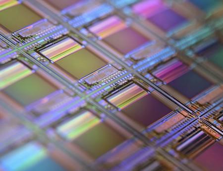 Presentan un nuevo tipo de SSD que promete almacenar (mínimo) 50 TB en cada unidad