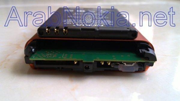 Foto de Nokia N8 naranja, batería (3/9)