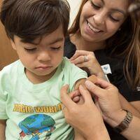 El debate de las vacunas COVID para niños está a punto de empezar: lo que sabemos de la tecnología de ARNm frente a las que ya están en el calendario vacunal