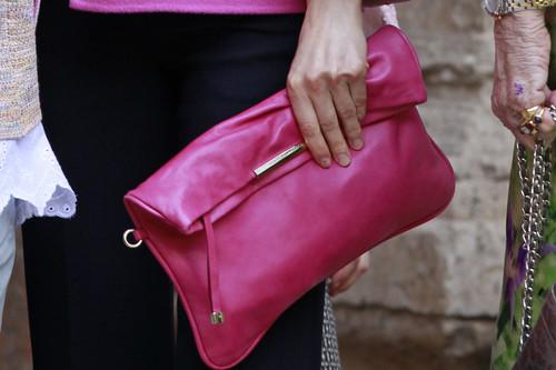 Por qué comprar bolsos de marca es de abuelas