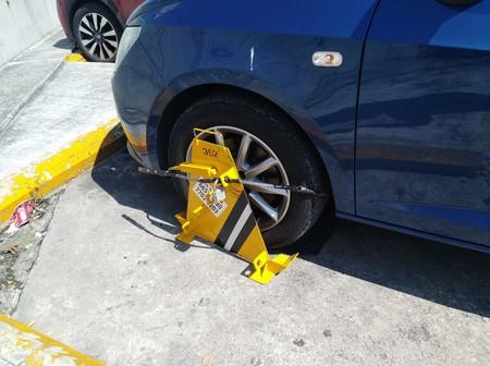 Si tu auto no tiene placas, esto debes poner en el parquímetro