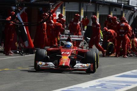 """Fernando Alonso seguirá con Ferrari """"de momento"""""""