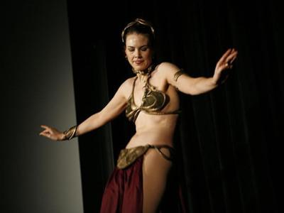 Para fortalecer la zona media: la danza del vientre