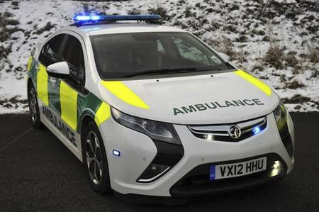 El Opel Ampera inicia su andadura como ambulancia de asistencia
