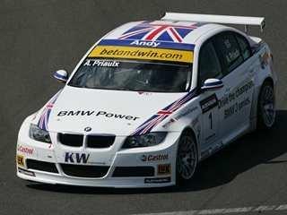 BMW vence en Magny Cours
