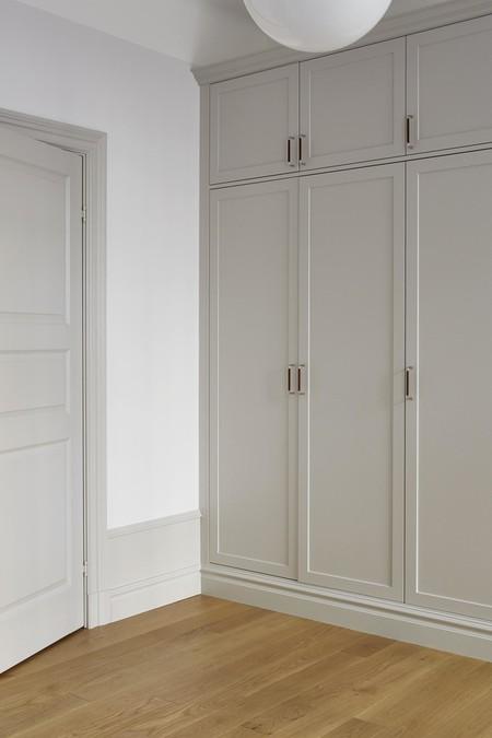 Es Con Impresionantes Luces En Un Apartamento Monocromo Disenado Por Josefin Haagmed7e1a7526446b4c40b4533630ff081653