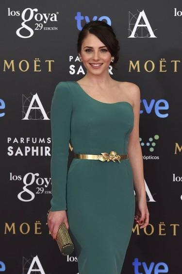 Andrea Duro pone el punto verde a los Goya 2015 con un vestido de Isabel Basaldúa