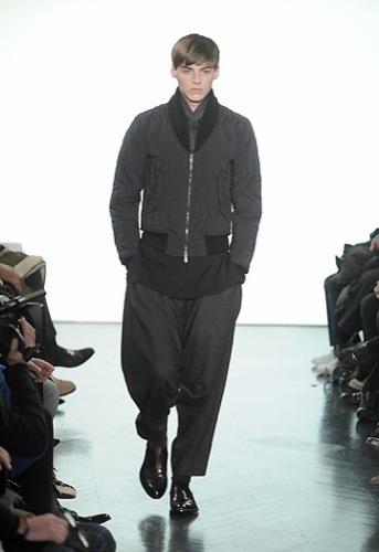 Yves Saint Laurent, Otoño-Invierno 2010/2011 en la Semana de la Moda de París. Sport