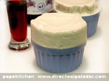 Suflé helado de crème de cassis. Receta