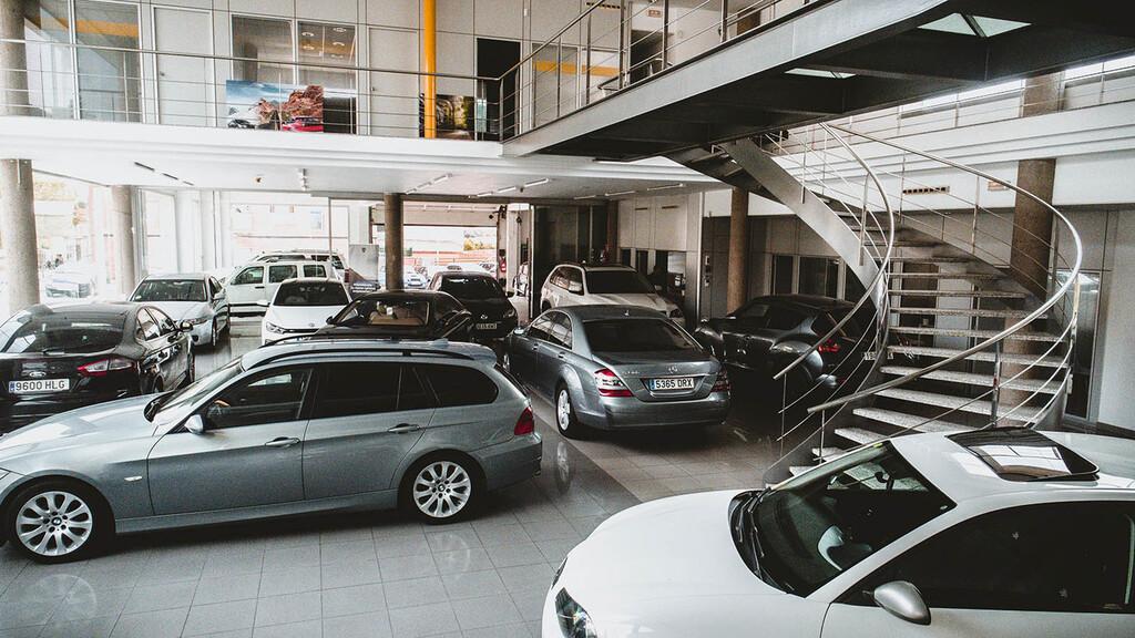 El mercado de coches de segunda mano cae en octubre, especialmente los seminuevos
