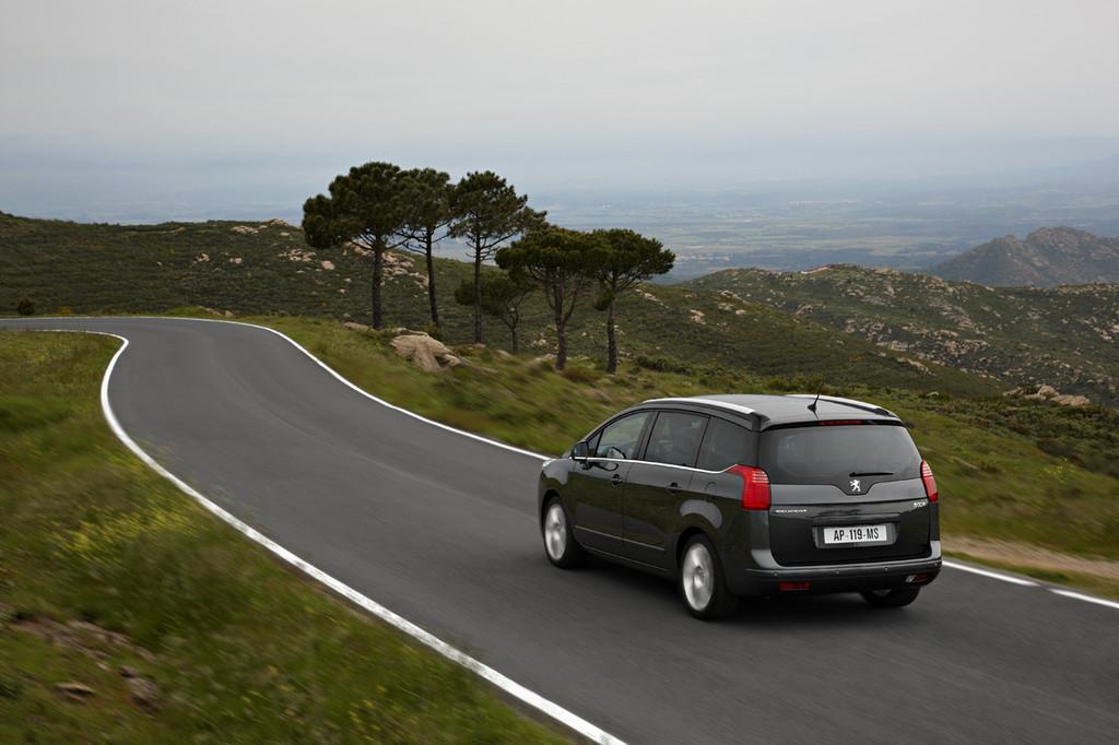 Foto de Peugeot 5008 (26/80)