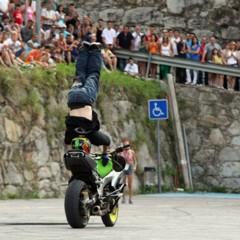 Foto 8 de 18 de la galería exito-del-primer-campeonato-de-freestyle-stunt-riding-encamp-2011 en Motorpasion Moto