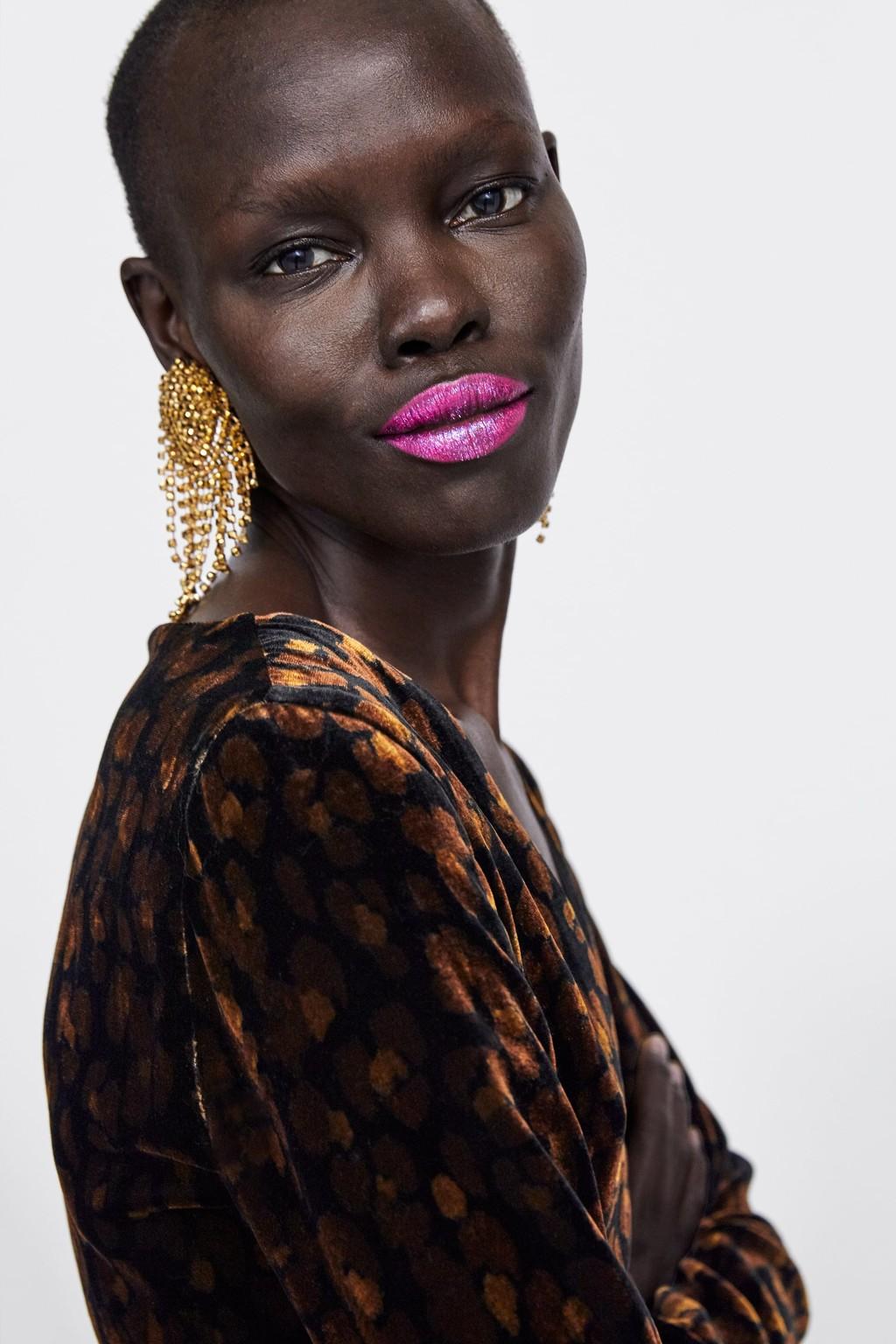 Zara nos propone distintos versiones (llamativas) para maquillarnos durante estas Navidades, ¿te animas?